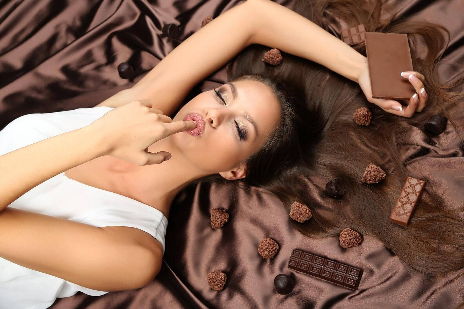 sugar and caffeine in chocolate
