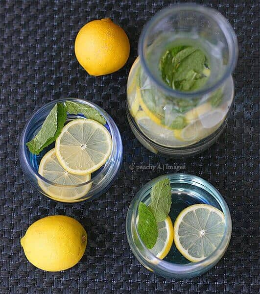 Lemon și Ment Detox Water