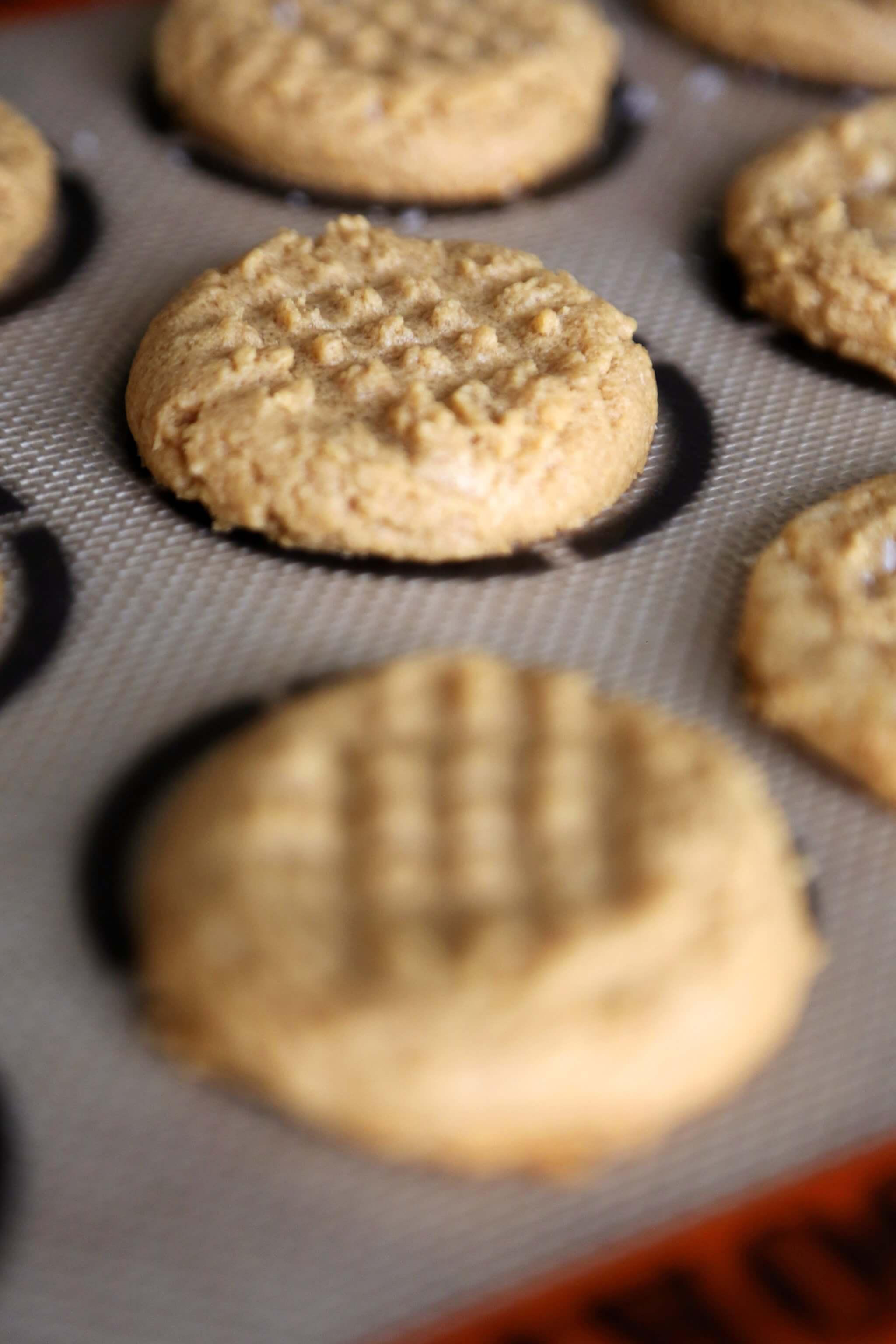 4-Ingredient Peanut Butter Cookie