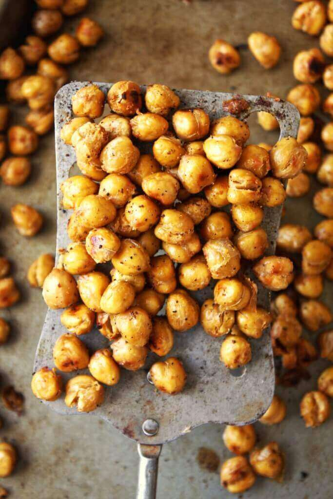 Crispy Garlic Bread Chickpeas