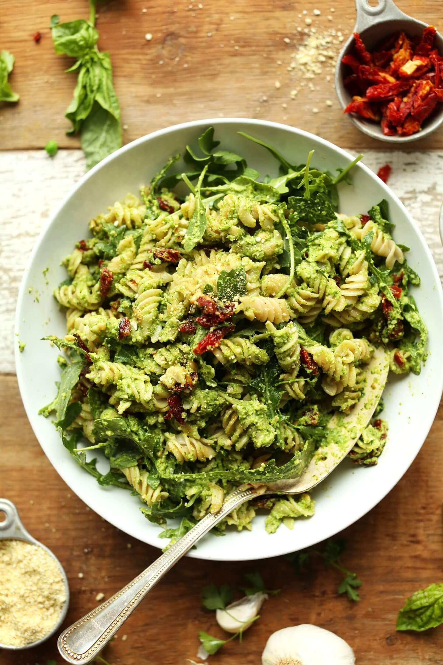 Pea Pesto Pasta with Sun-Dried Tomatoes & Arugula