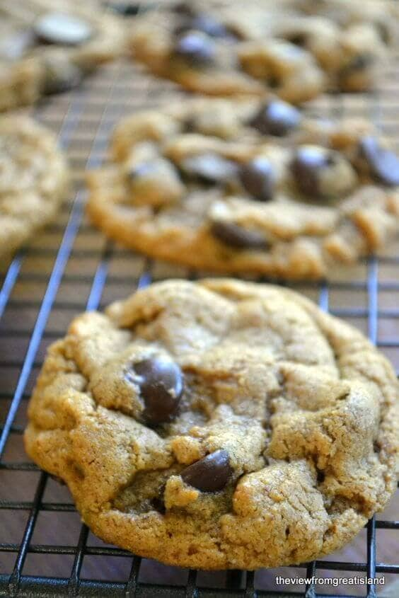 Flourless Oatmeal Almond Butter Chocolate Chip Cookies